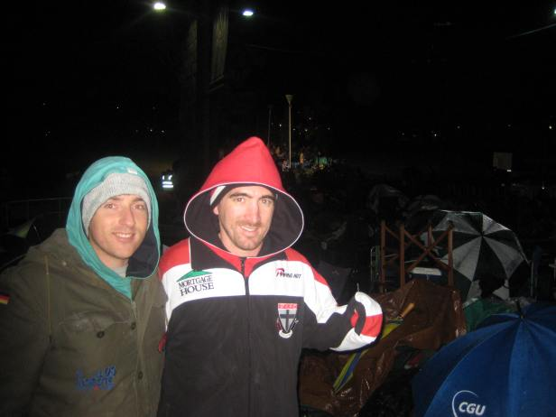 Waiting outside the 'G on Grand Final eve 2009
