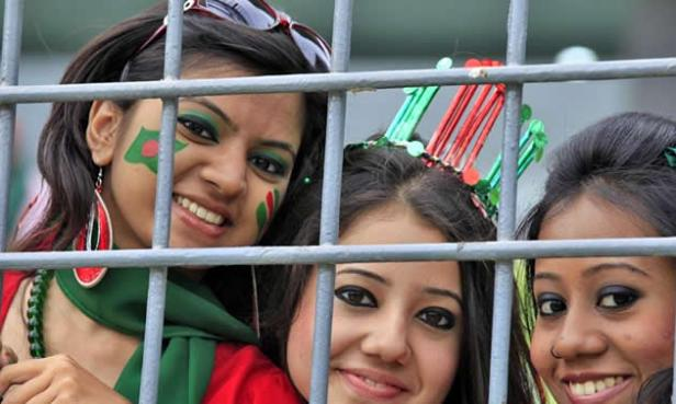 Hot Bangladeshi chicks