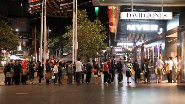 Christmas shoppers queuing in Burke St mall