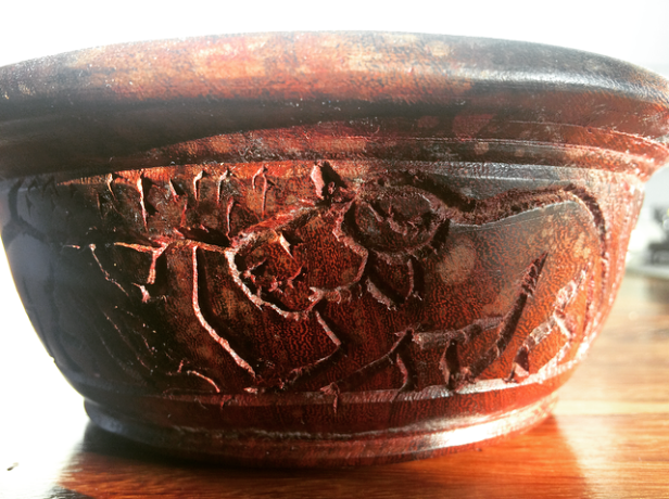 Malawi: Wooden Bowl made by inmate Menok