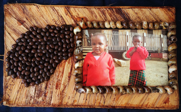 Tanzania: Coffee bean picture frame